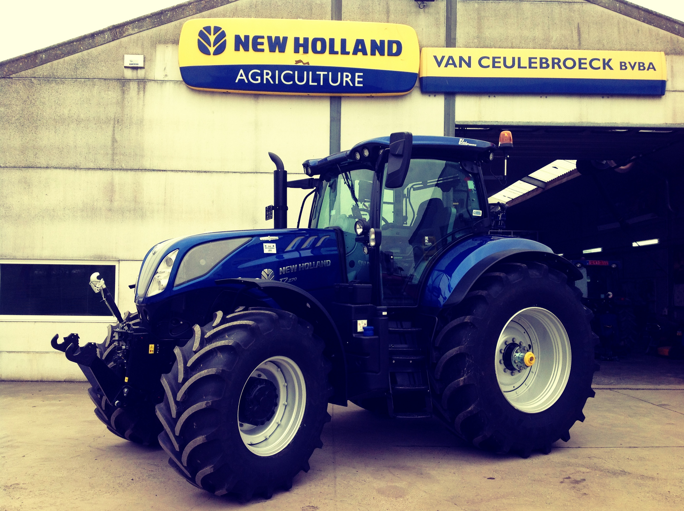 New Holland T7.270 Auto Command Blue Power afgeleverd !!