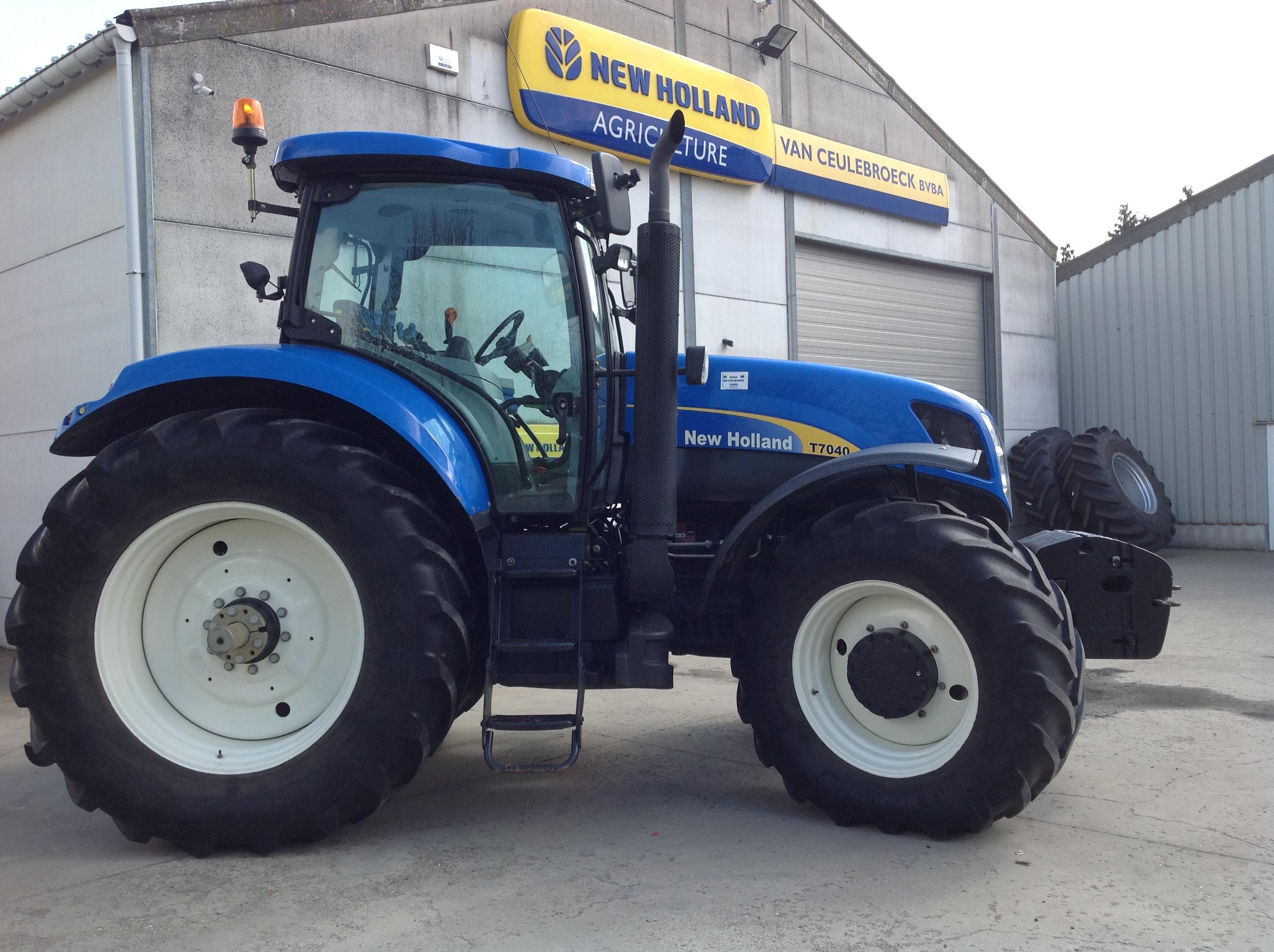 New Holland T7040 heeft zijn nieuwe eigenaar beet !!