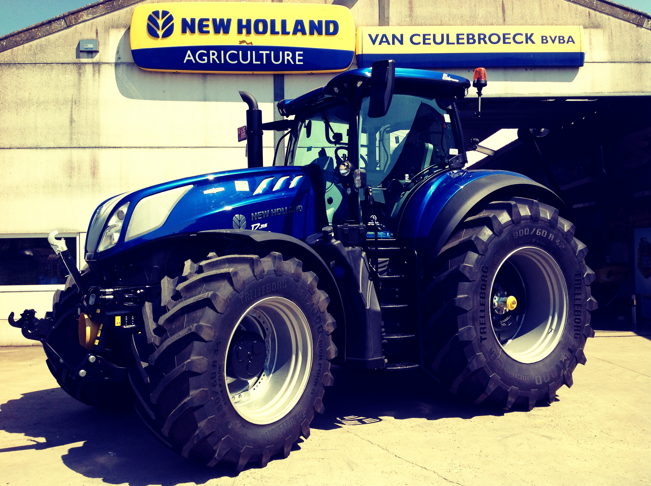 New Holland T7.315 AC HD Intellisteer afgeleverd !!