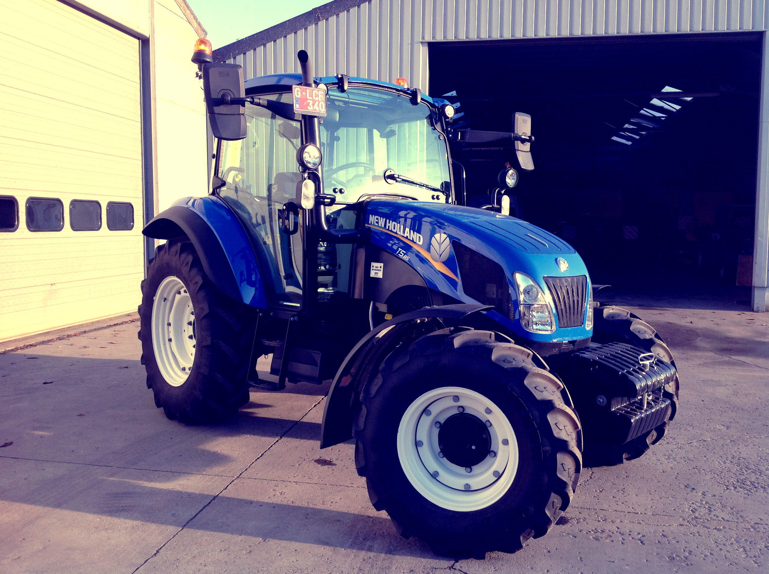 New Holland T5.85 Dual Command Supersteer afgeleverd !!